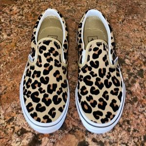 Girls Cheetah print Vans